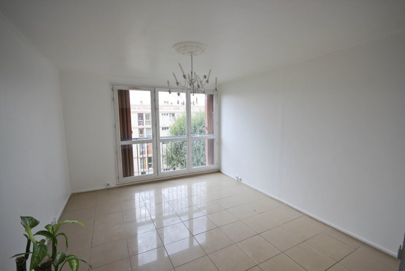 location appartement 3 pieces de 53 m2 94400 vitry sur seine 843. Black Bedroom Furniture Sets. Home Design Ideas